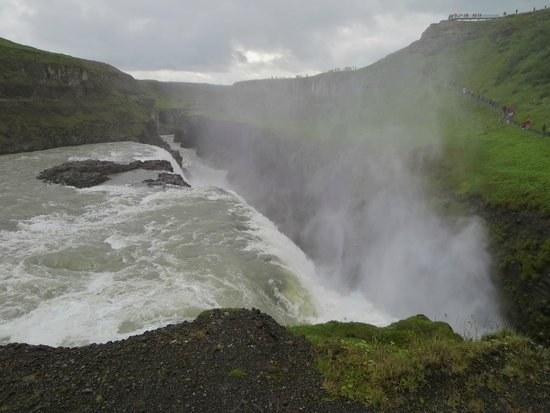Gullfoss : Into the abyss