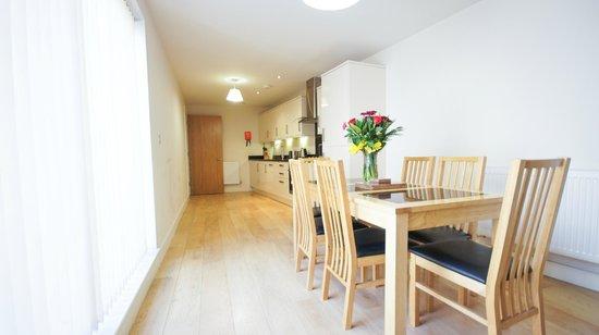 Crompton House Apartments: Open plan kitchen lounge