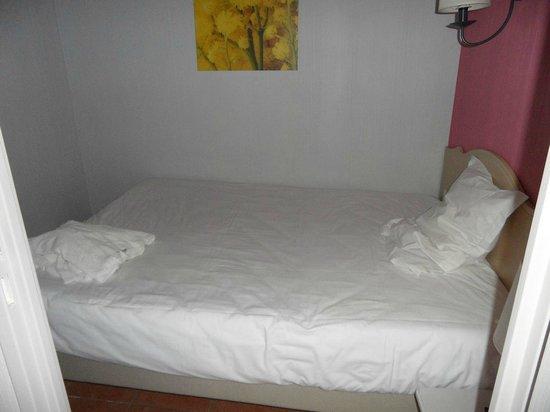 Pierre & Vacances Premium Residence Cannes Mandelieu : chambre adulte