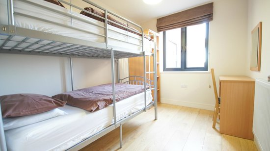 Crompton House Apartments: Bunk beds