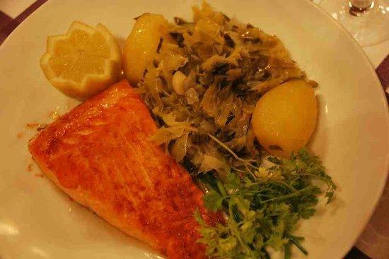 Auberge des Pyrenees Cevennes : Salmon