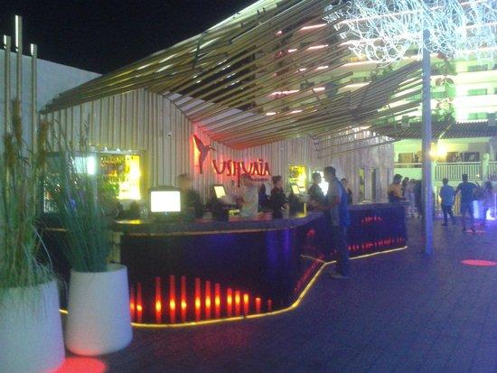 Ushuaia Ibiza Beach Hotel: bar