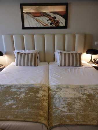 Hotel do Chiado: Comfortable beds with excellent decor