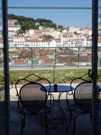 Hotel do Chiado: This was our viwe from french doors looking out.