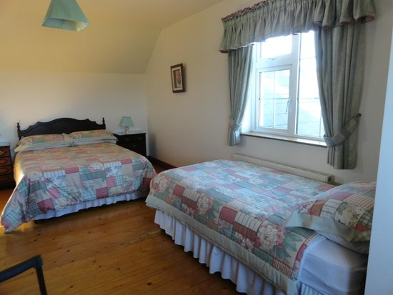 Atlantic View Bed and Breakfast : One double and one single bed