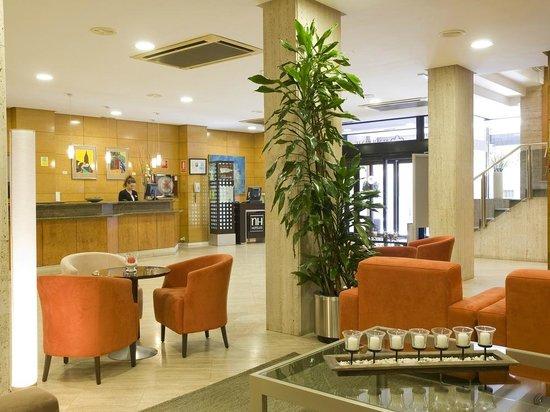NH Oviedo Principado: Lobby/Reception