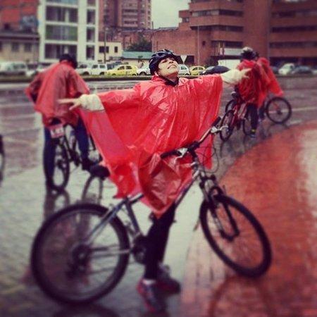 Bogota Bike Tours: Rica lluvia