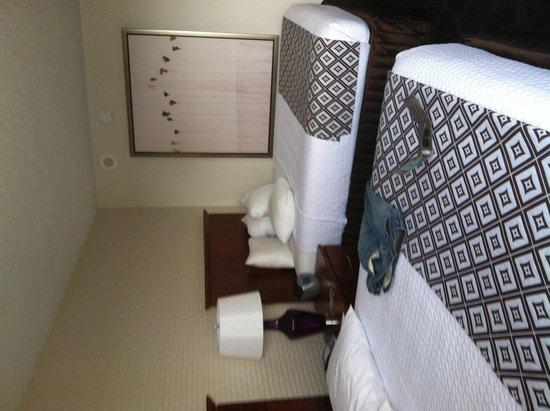 Crowne Plaza Atlanta Perimeter at Ravinia : Room on 11th floor