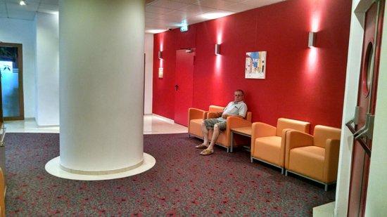 Hotel Ibis Lisboa Jose Malhoa: área de leitura