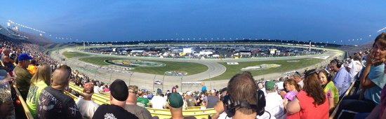 Kentucky Speedway : Great seats! Great Girls Getaway Weekend!!
