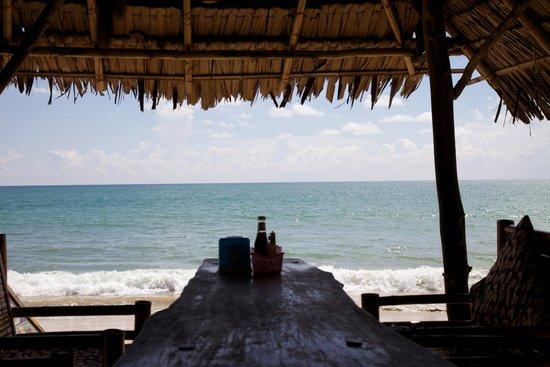 Phen's Restaurant: Ocean View