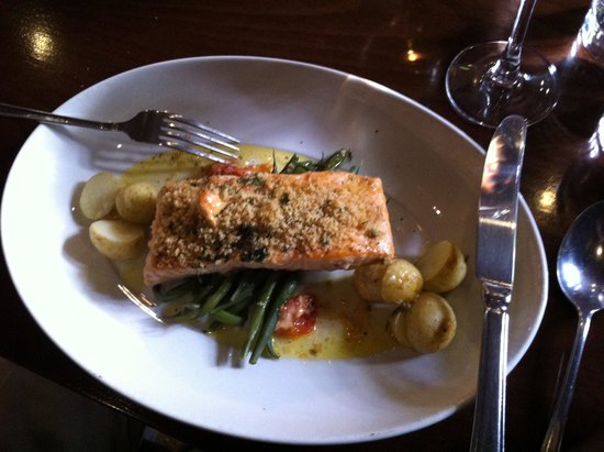 Giotto: Grilled salmon