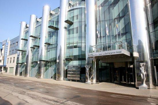 Tallink Spa & Conference Hotel: Вход в отель