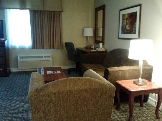Tuscany Suites & Casino: Hotel Room