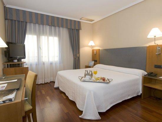NH Oviedo Principado: Guest Room