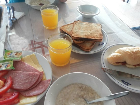 Paphiessa Hotel: завтрак