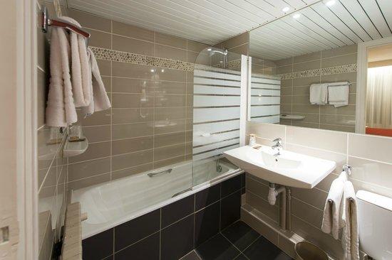 Hôtel La Résidence : Salle de bain