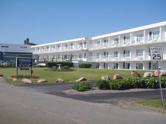 Atlantis Oceanfront Inn: Wonderful location