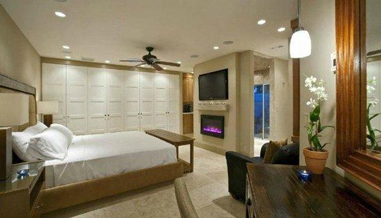 Pura Vida Palm Springs: Luxurious Rooms