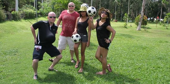 Football Crazy Golf - Phuket: Pre-match team shot!