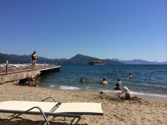 Marmaris Resort & SPA: Пляж