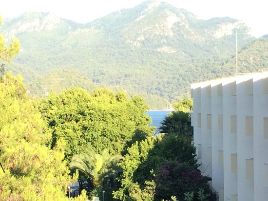 Marmaris Resort & SPA: Вид с балкона на море :-)