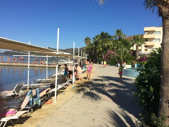 Marmaris Resort & SPA: Пляж
