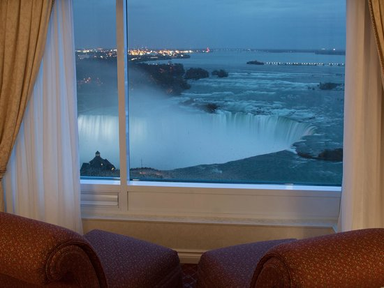 Niagara falls marriott fallsview hotel spa updated for Pool spa show niagara falls