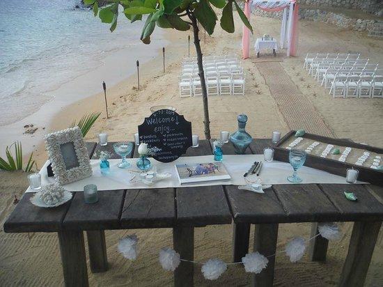 Vallarta Adventures - Las Caletas Beach Hideaway: guest table and ceremony area