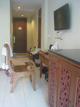 Rawai Palm Beach Resort: Room entrance