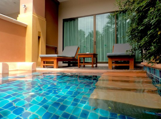 Rawai Palm Beach Resort : Room with pool