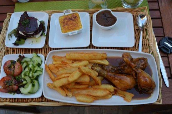 Café du Midi : Chicken legs main course