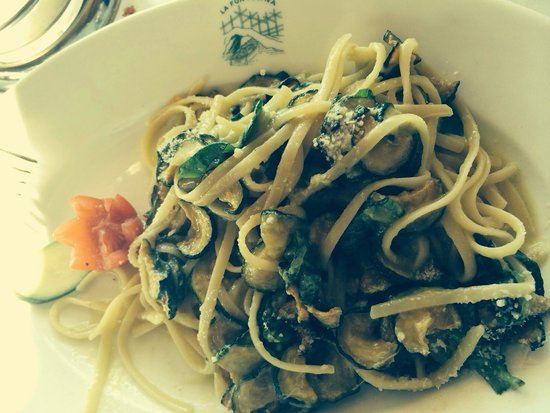 La Fontelina: Spaghetti alle zucchine
