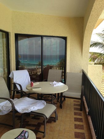Emporio Hotel & Suites Cancun: our own balcony