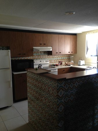 Emporio Hotel & Suites Cancun: Fully equipped kitchen