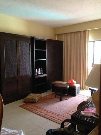Emporio Hotel & Suites Cancún: 2 murphy's beds