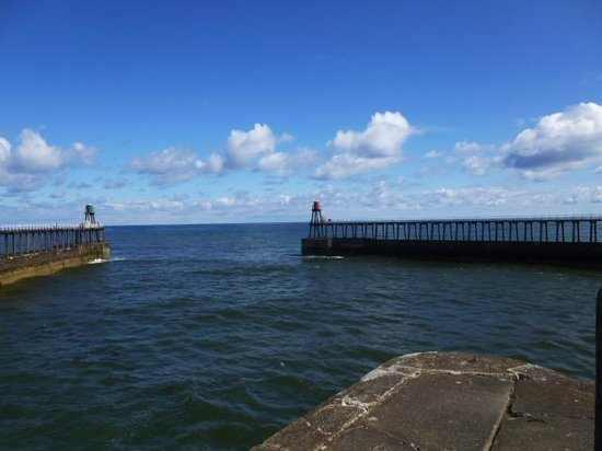 White Horse and Griffin: Whitby pier love it!