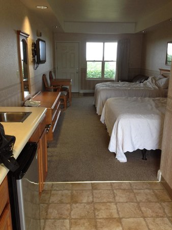 Bayview Motel: Our room ;)