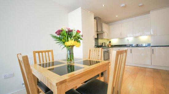 Crompton Court: Open plan kitchen lounge