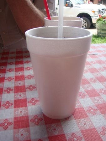 Irma Restaurant and Grille: Styrofoam cups, classy!