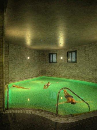 Balneario de Archena - Hotel Levante: Piscina Flotación Circuito Balnea