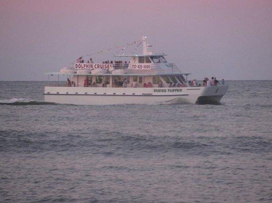 Best Western Plus Virginia Beach: Rudey's Flipper Cruise
