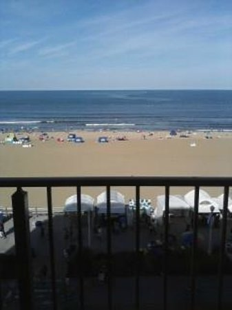 BEST WESTERN PLUS Oceanfront Virginia Beach: When we arrived