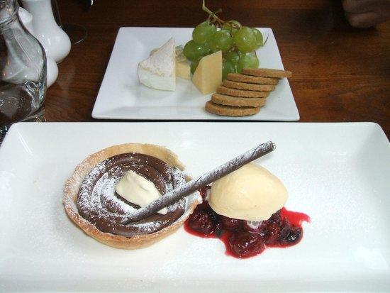 Coast Restaurant: cheese plate and chocolate tart