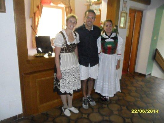 Hotel Seehof: Con le signore in costume caratteristico