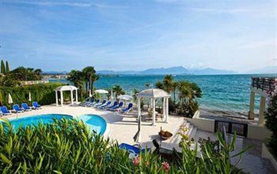 foto dalla terrazza - Picture of Hotel Lido International, Desenzano ...