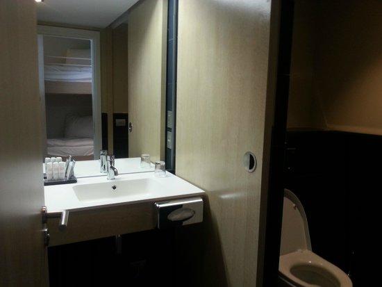 Radisson Blu Resort & Spa, Ajaccio Bay : La très belle salles de bains