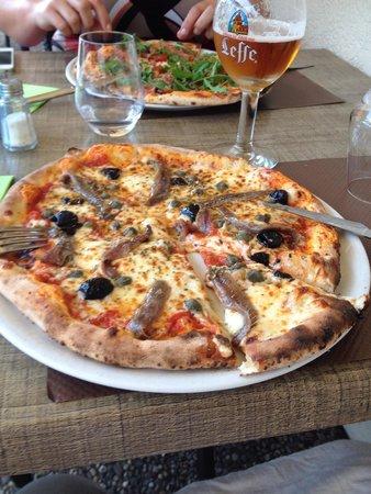 Le Potet: Pizza au feu de bois!!!