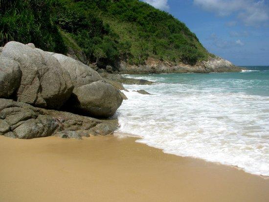 Nai Harn Beach: beach2