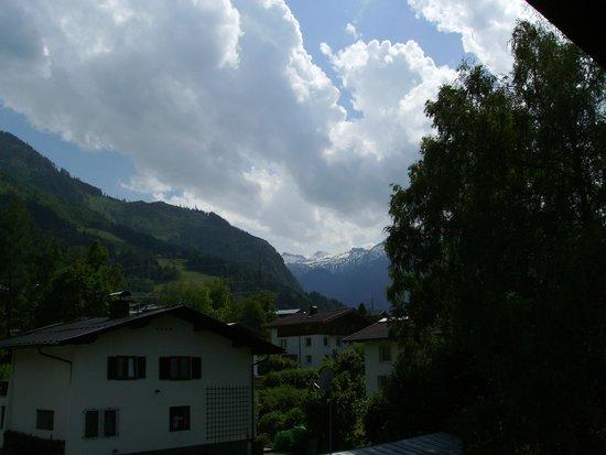 Johannahof Appartements: Kilátás a szobából. View from room.